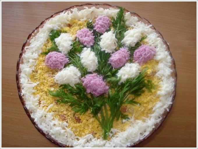 Украшение и приготовление салатов фото