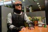 Переодетый в костюм инвалида Герман Греф попытался получить кредит в своем же банке.