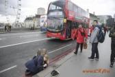 СМИ пытаются выяснить имя лондонского террориста.